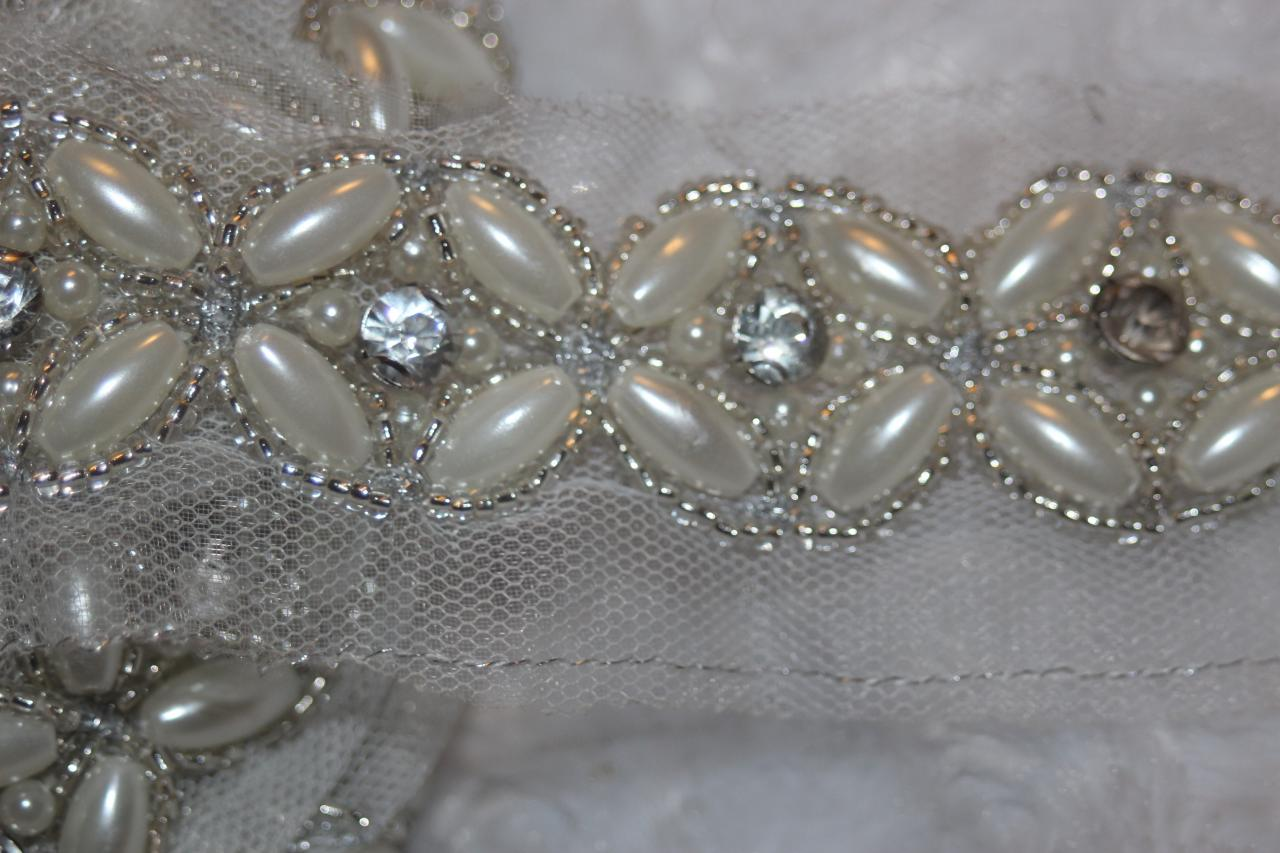 Hand Beaded Bridal Trim White Silver  Light Gold Metal Thread /& Pearls 2.5 Yards