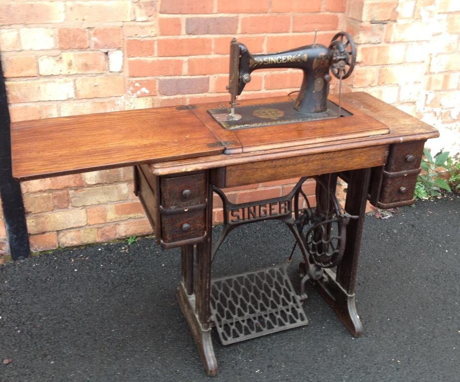 vintage antique singer sewing machine table spares repair images hosted at. Black Bedroom Furniture Sets. Home Design Ideas