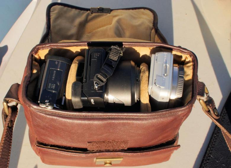 ...Bag for EVIL cameras like SONY NEX-7, NEX 5n, E-PL3, GH-3 Goldpfeil.