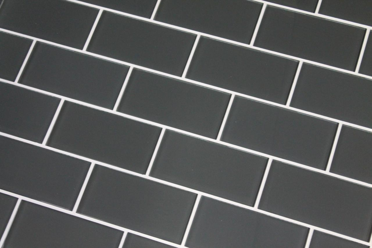 MTO0442 Classic Subway Light Grey Glossy CermaicTile