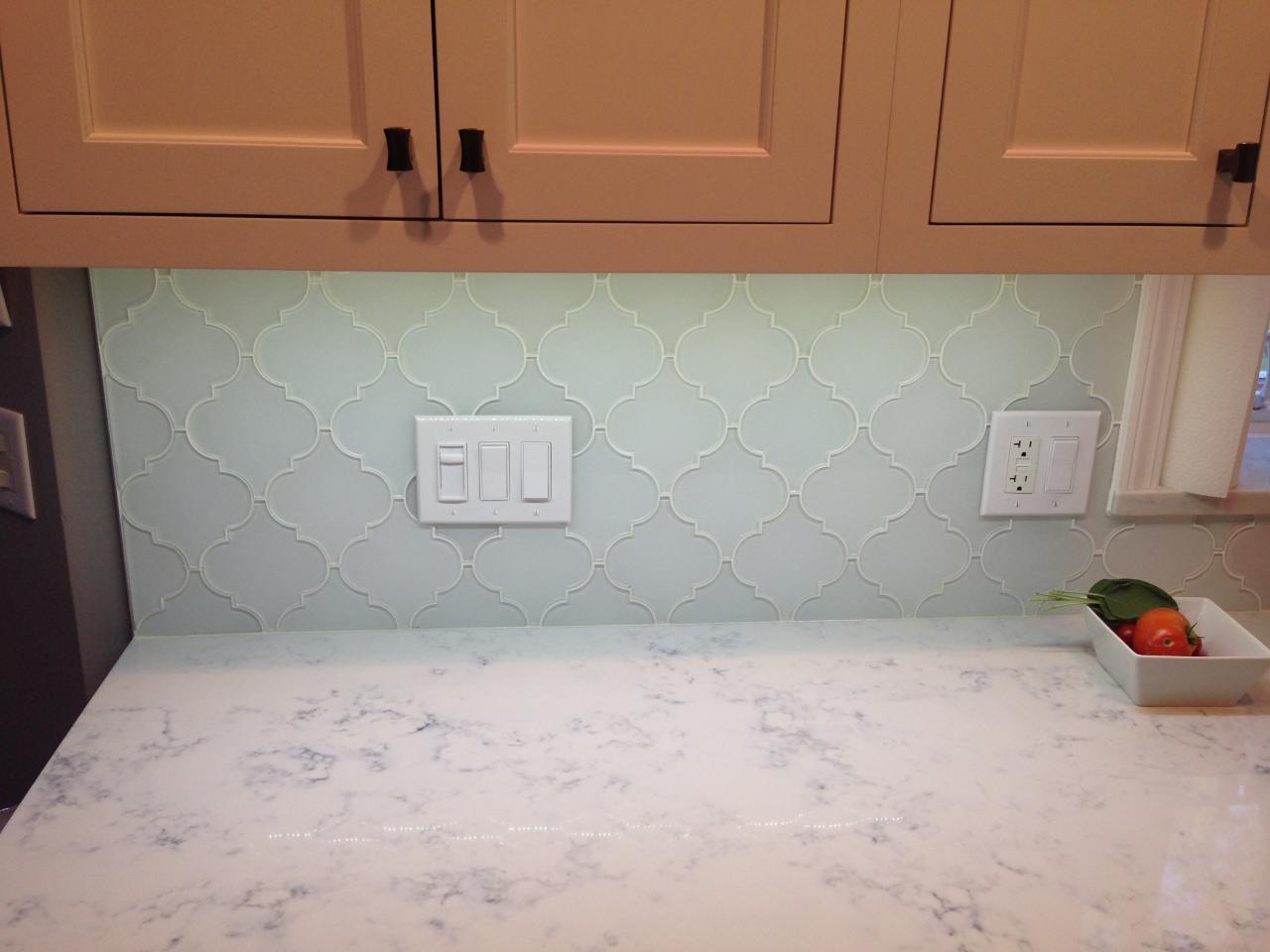 Glass Tile Backsplash Pictures Bathroom: Snow White Arabesque Glass Mosaic Tiles
