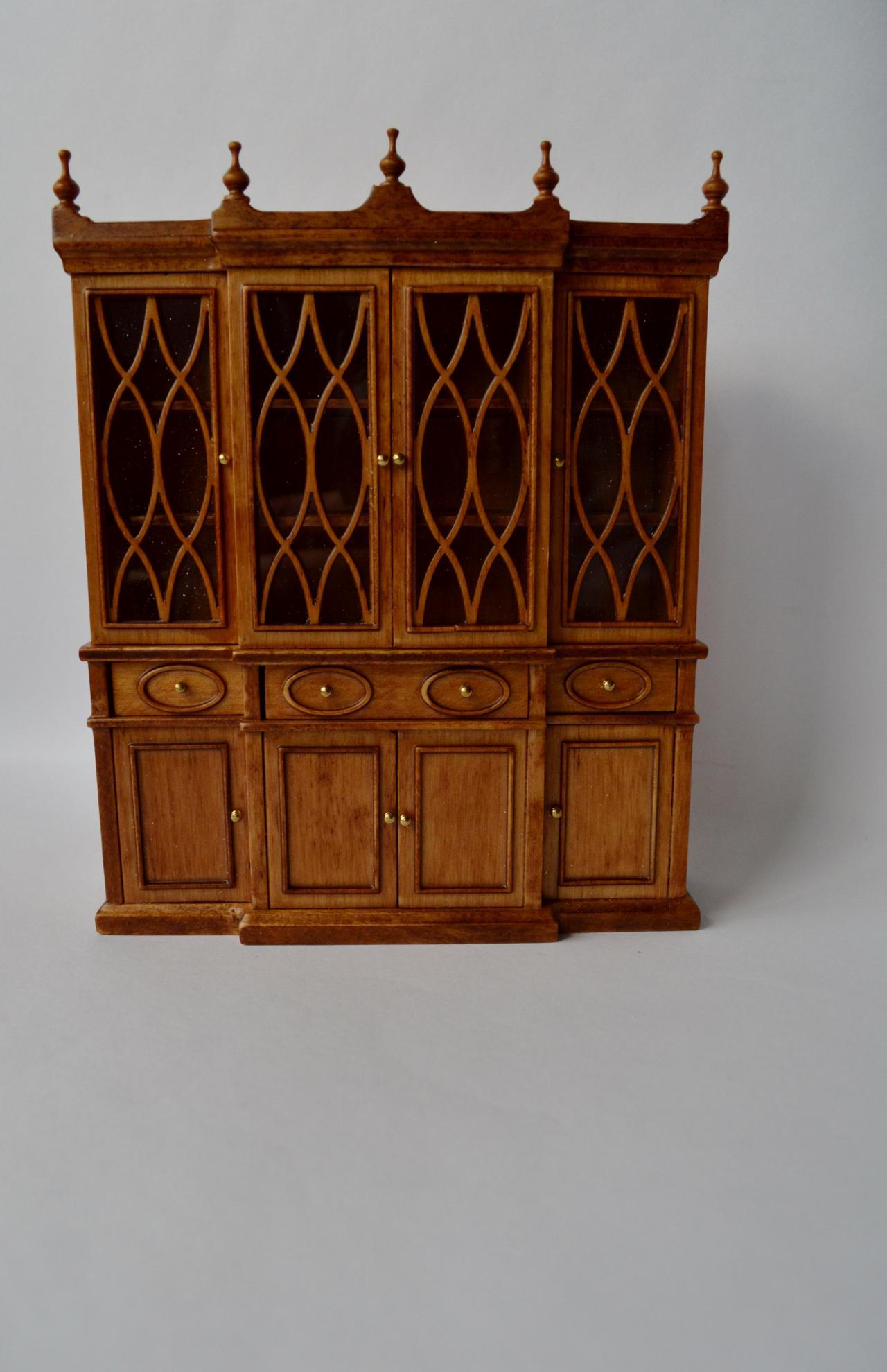 Dollhouse Famous Maker Furniture 12090 Tudor Style
